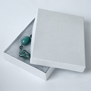 Jewelry box bib set White