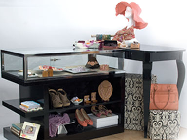 The Uso Showcase Collection can enhance any store