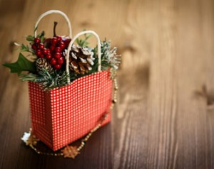 Tips for selling customers on gift wrap and accessories