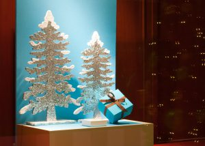 Make the most of your Christmas window displays [Video]