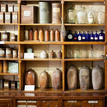 How to maximize your shelf space when things get crowded
