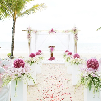 Highlight trendy summer wedding attire