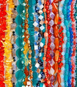 Sell summer jewelry with the right displays