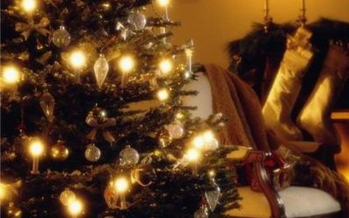 Setting the perfect holiday ambiance in your shop