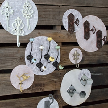 Shabby chic shop: Choosing mix-and-match display items