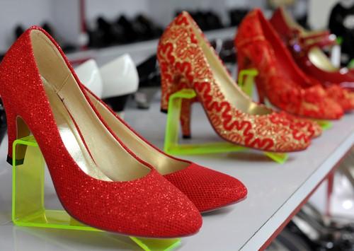 Shake up your shoe display