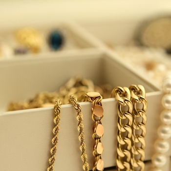 Spring jewelry trends to display this month